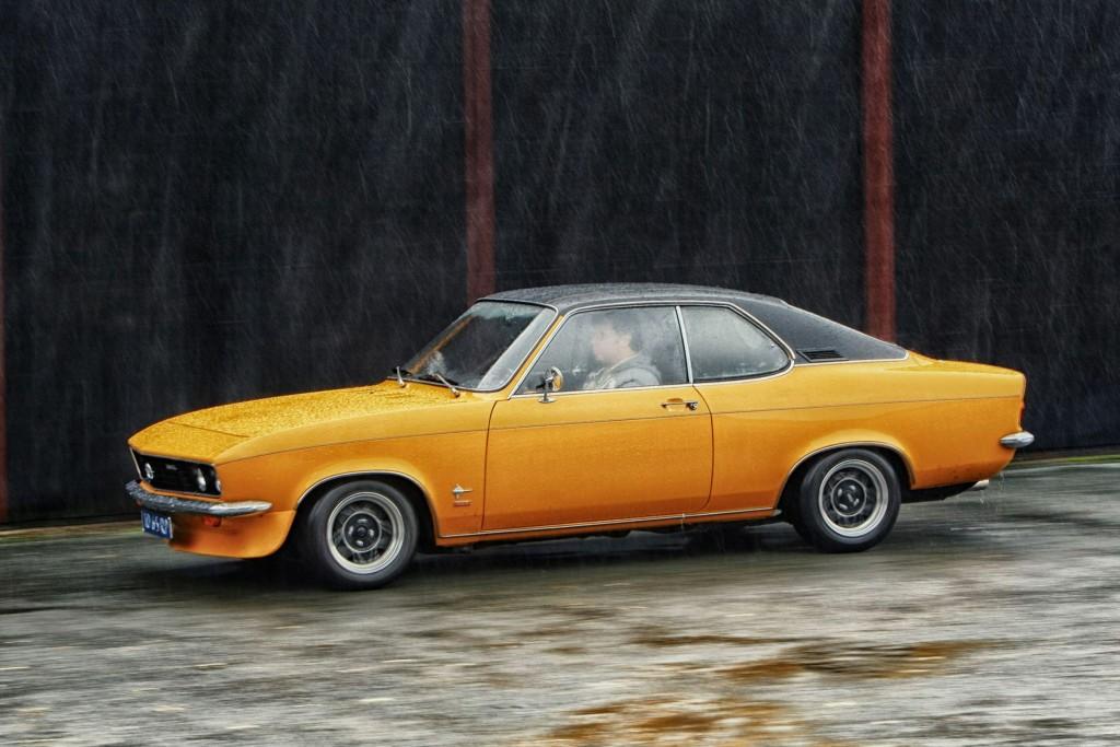 Opel Manta A - foto: Jacco van de Kuilen