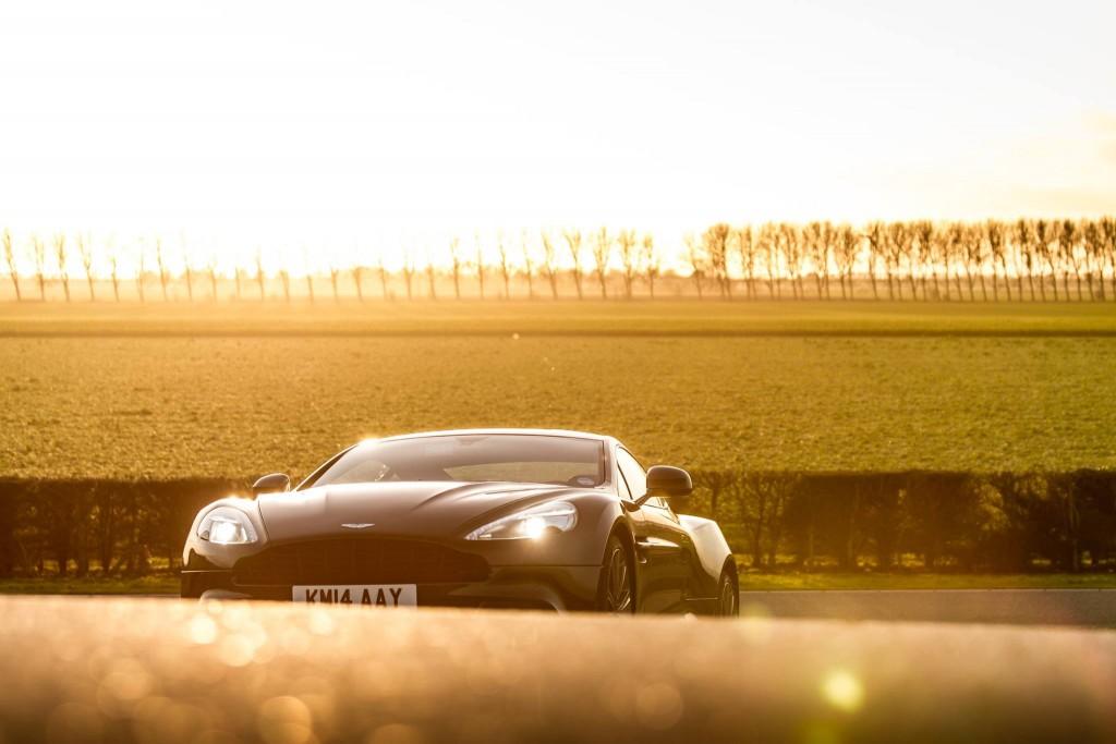 Aston Martin Vanquish - foto Luuk van Kaathoven